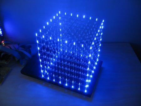 Трехмерный светодиодный куб