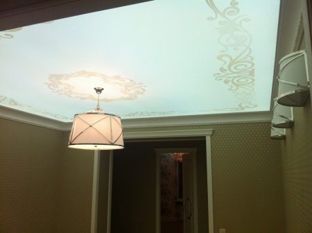 Светящийся натяжной потолок