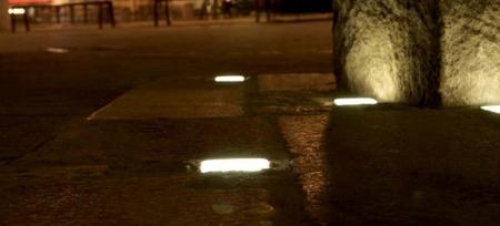 Светящаяся плитка для тротуаров.