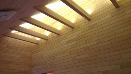 Освещение деревянных балок